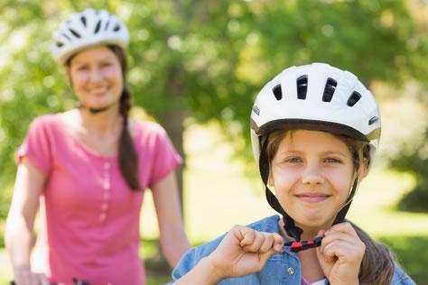 Fahrradhelme im Test: Kopfschutz ohne Kopfschmerzen